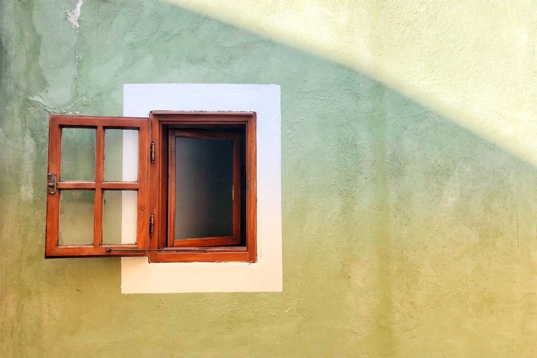 ventana de madera