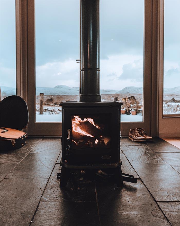 Accesorios para chimenea necesarios para pasar un invierno - Accesorios de chimeneas ...